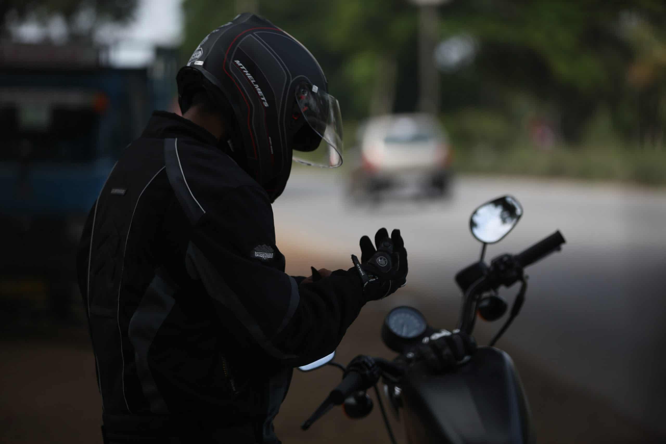 Nowy kask z technologią VR uratuje życie wielu motocyklistom