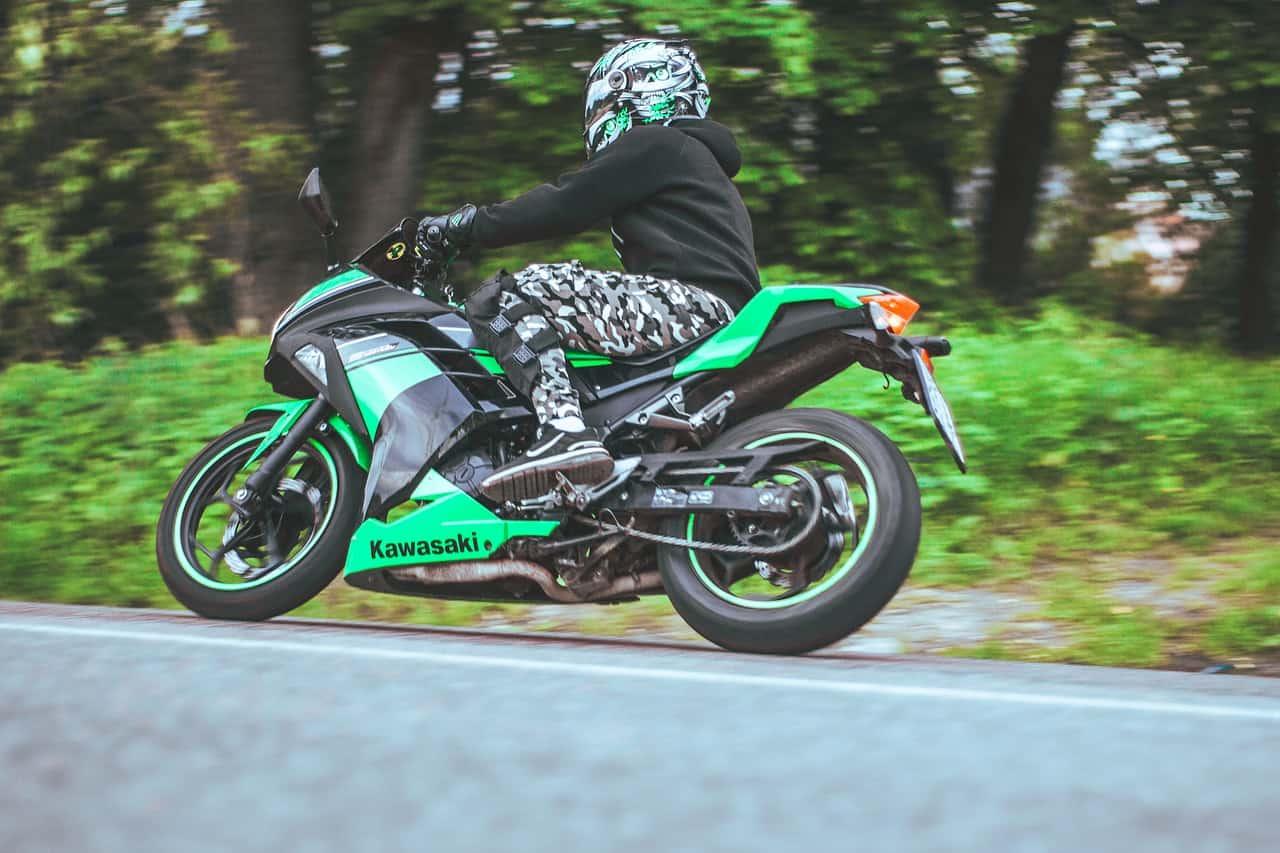 Jak dobrać odpowiedni kask dla początkującego motocyklisty?