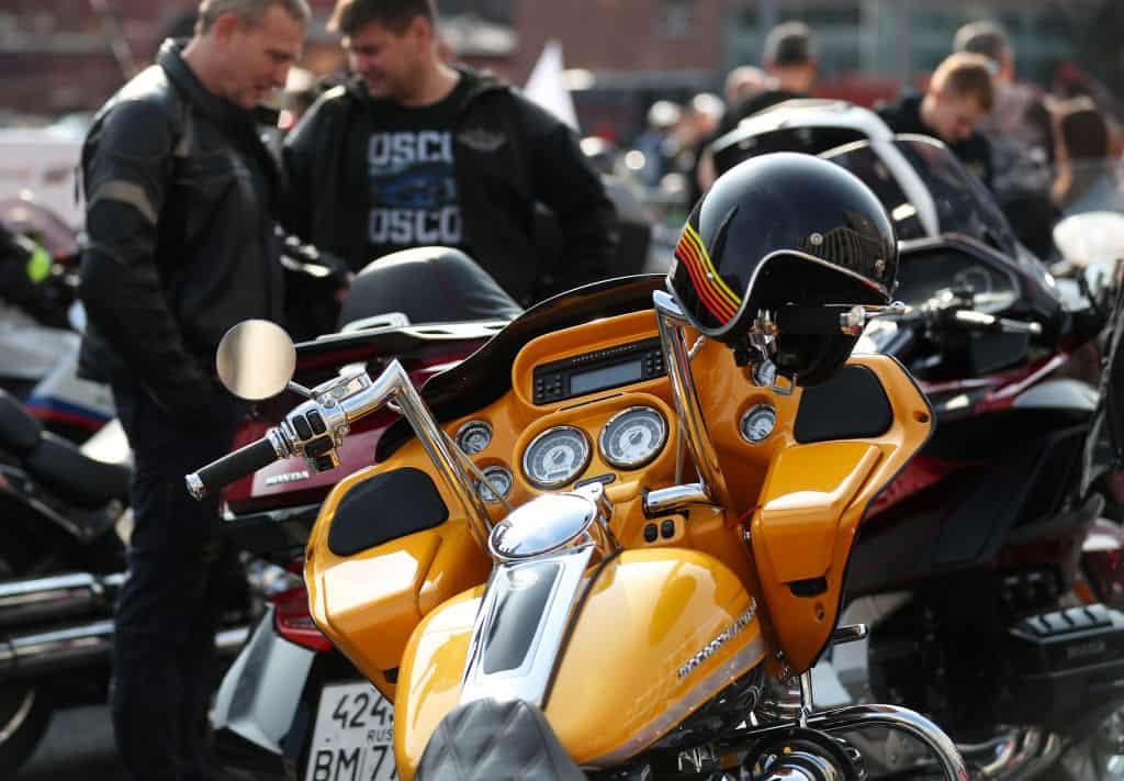 Postój na motocyklu – jak zaplanować go przed trasą?