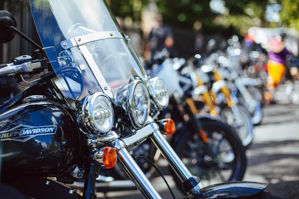 Motocykle turystyczne – co warto o nich wiedzieć?