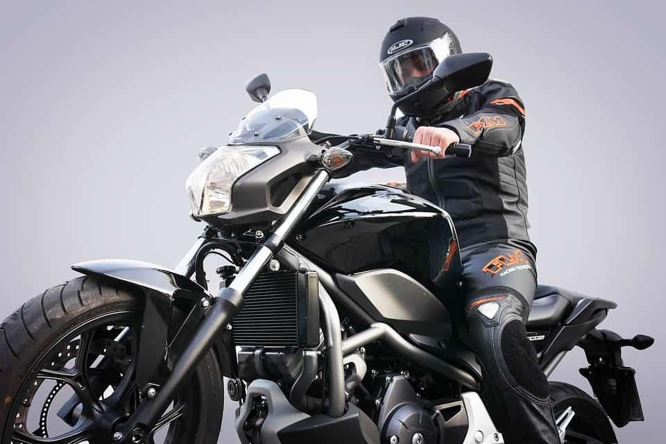 Co nie przystoi kulturalnym motocyklistom? Tych zasad nie łam!