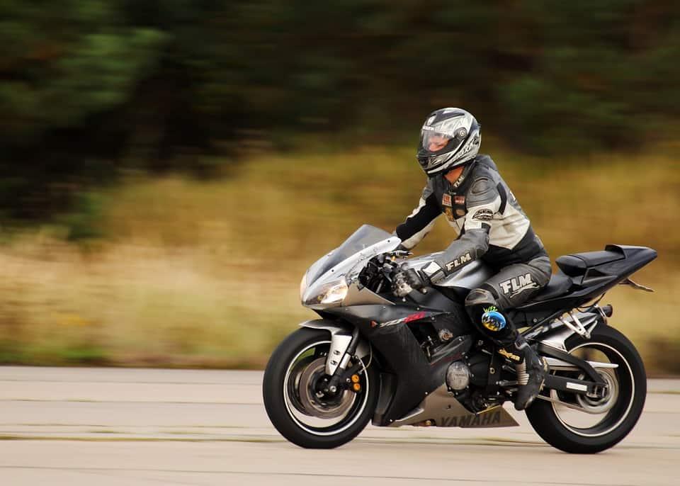 Wiek a uprawnienia kierowcy. Kiedy możesz zrobić daną kategorię motocyklową?