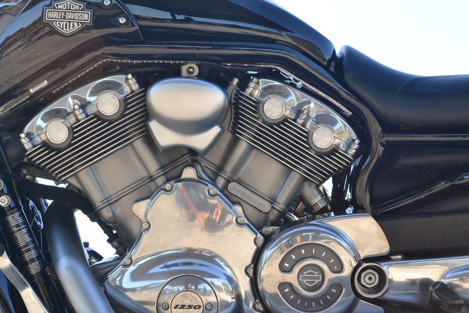 Wymiana oleju w motocyklu – krok po kroku