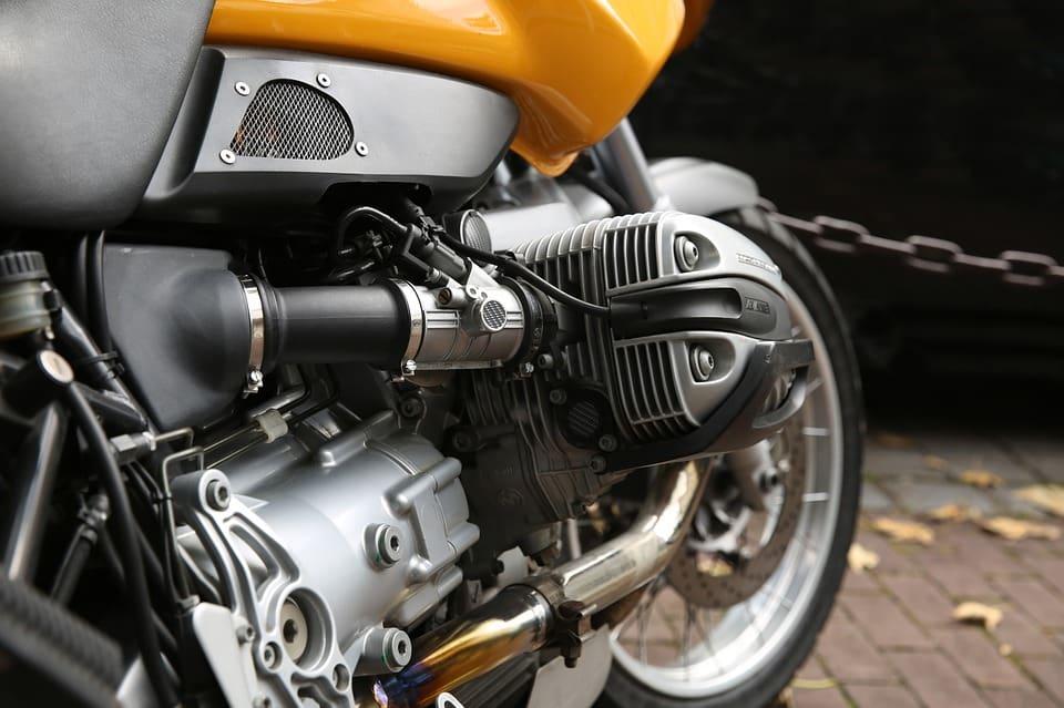 Eksploatacja i konserwacja łańcucha w motocyklu – najważniejsze zasady