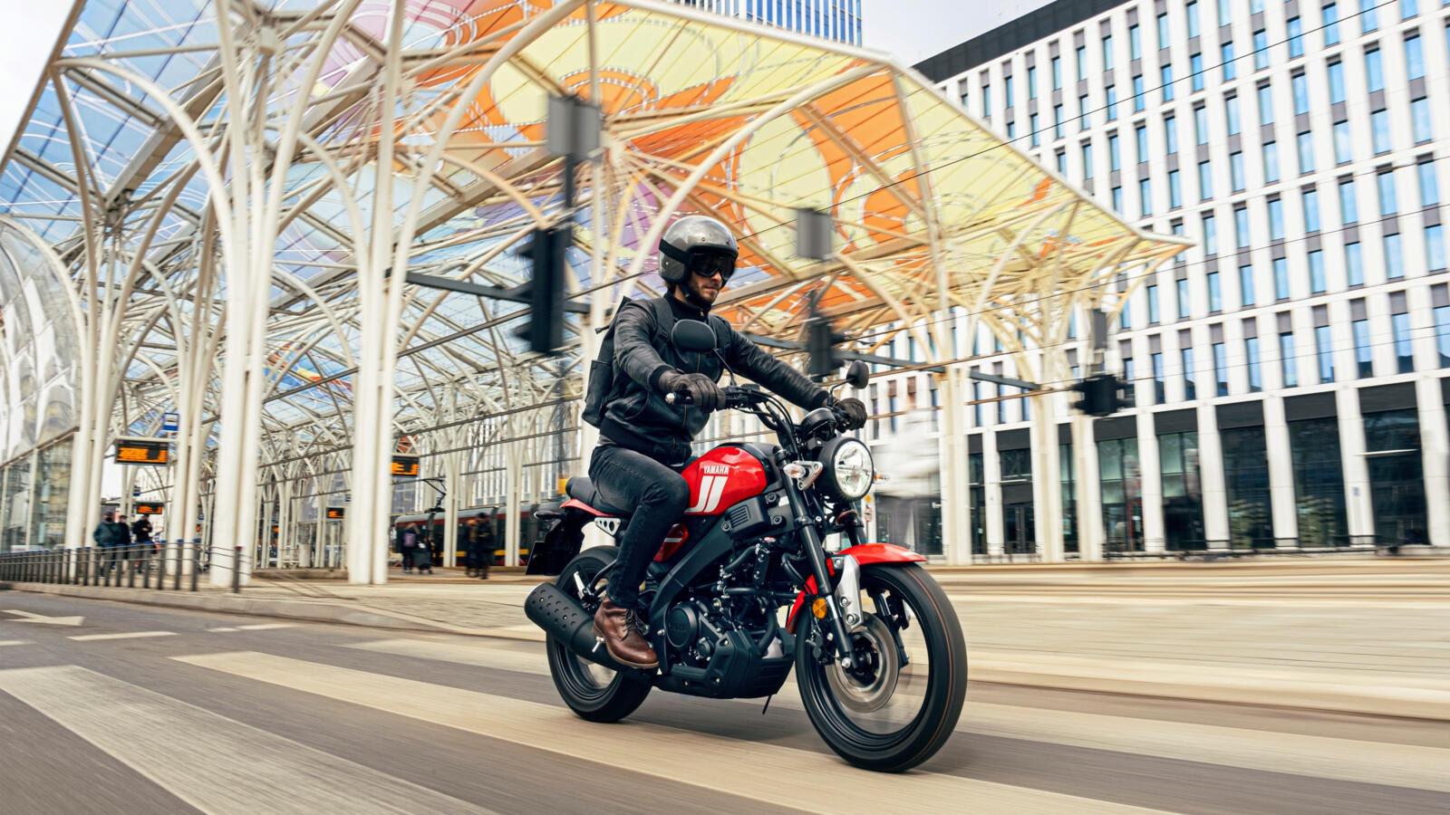 XSR125: Yamaha łączy klasyczny styl z modernistycznym podejściem do transportu