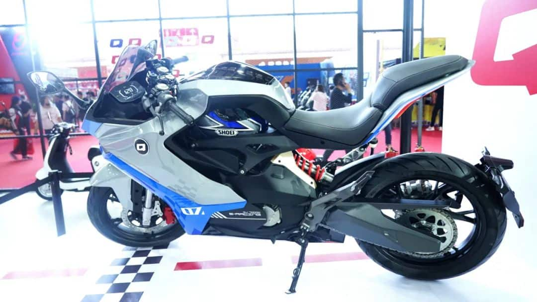 Sportowy elektryk od Benelli? Wszystko na to wskazuje, QJMotor pokaże nowy model w Pekinie!