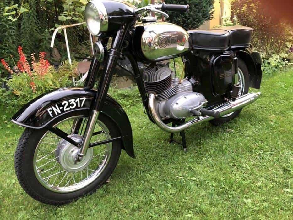 Skierniewice: pod młotek trafił motocykl Jawa CZ rocznik 1961! Creme de la creme motoryzacji!