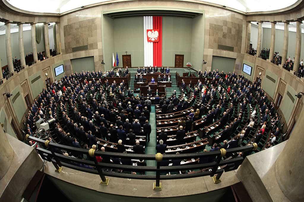 Nowelizacja prawa. Rządzący pracują nad mandatami za prędkość do 5 tysięcy złotych!