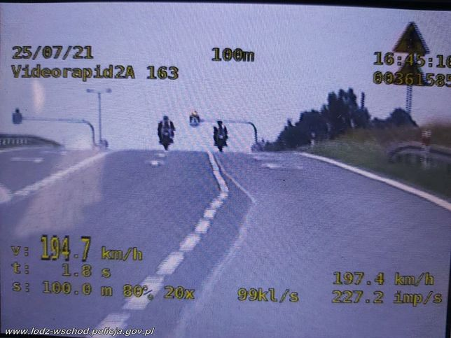 26-latkowie mknęli blisko 200 km/h! Policja zadbała o to, aby nie wsiedli już na jednoślady