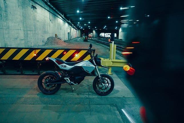 Zero FXE: odświeżona wersja czy zupełnie nowy motocykl?