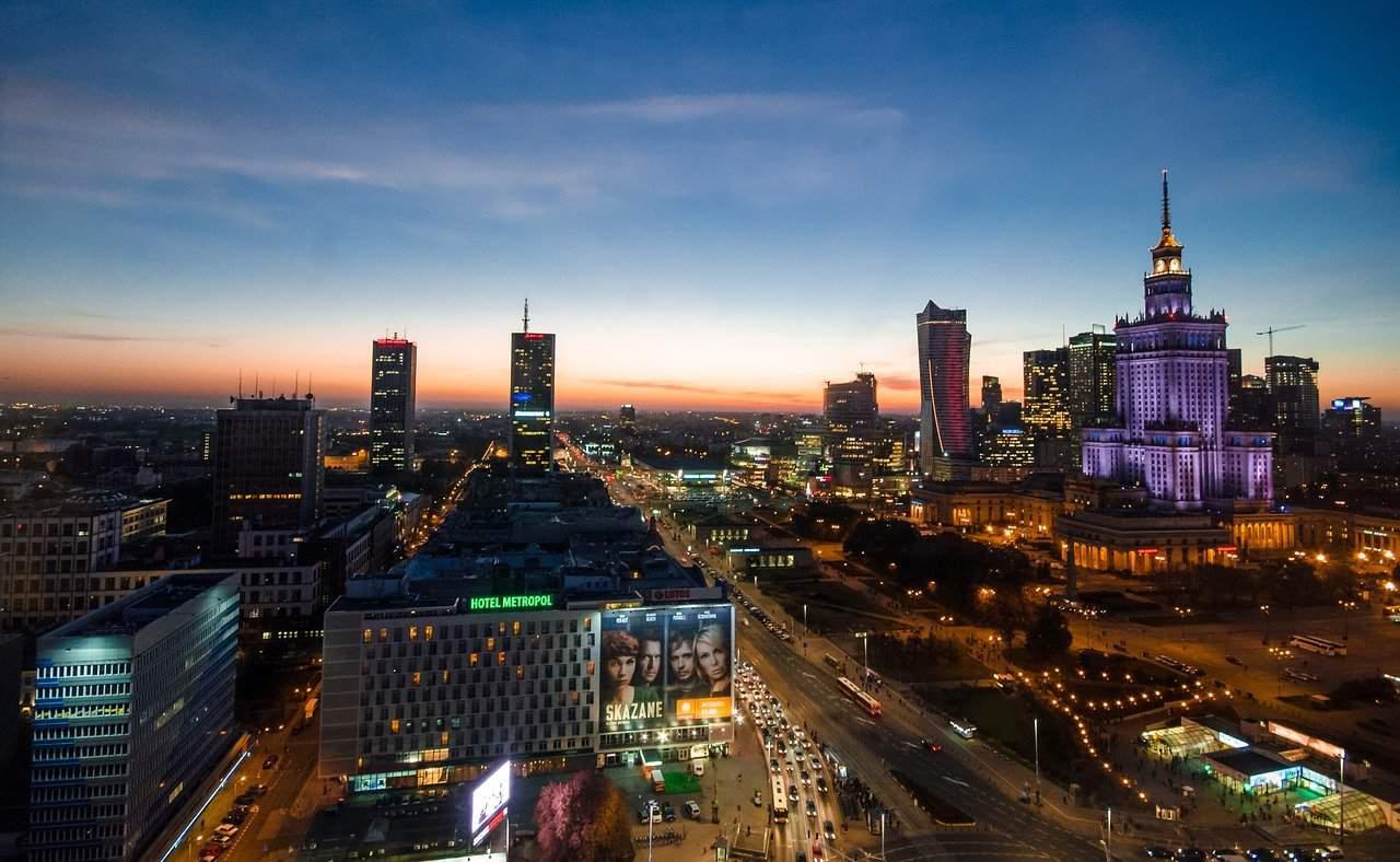 Warszawa: motocyklistów zaatakowano gazem pieprzowym [NAGRANIE]
