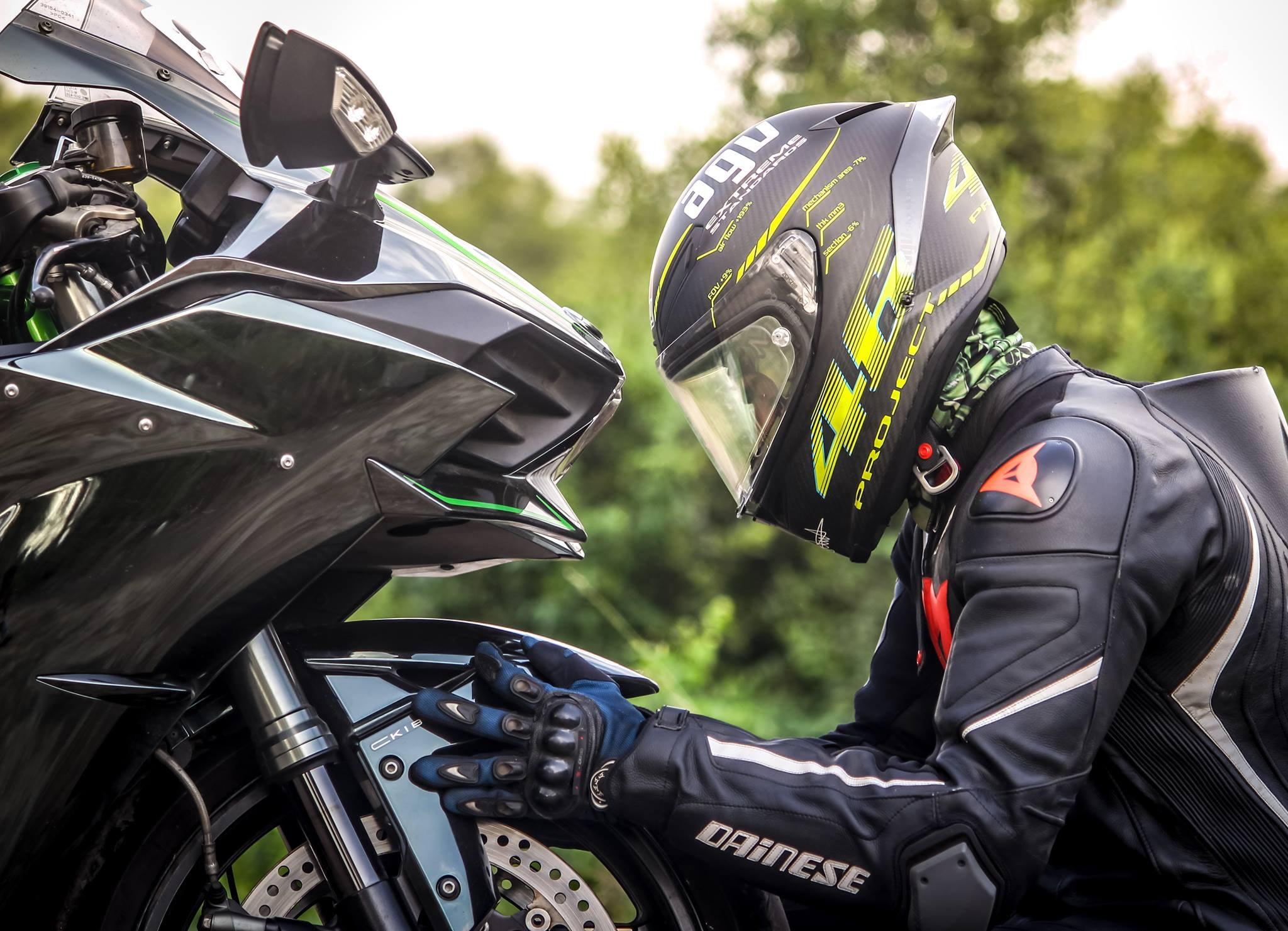 Najlepszy kask motocyklowy 2021 – jak wybrać?